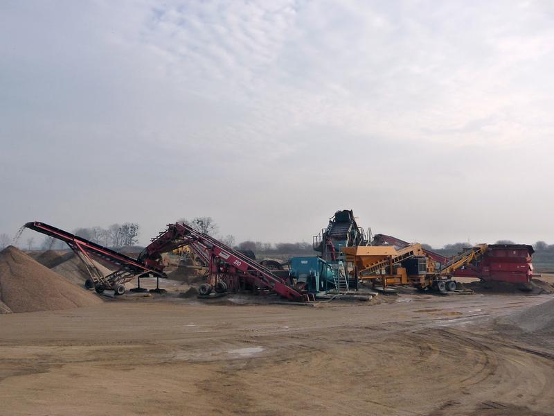 Písek, kamenivo, ukládka inertního odpadu Krčmaň